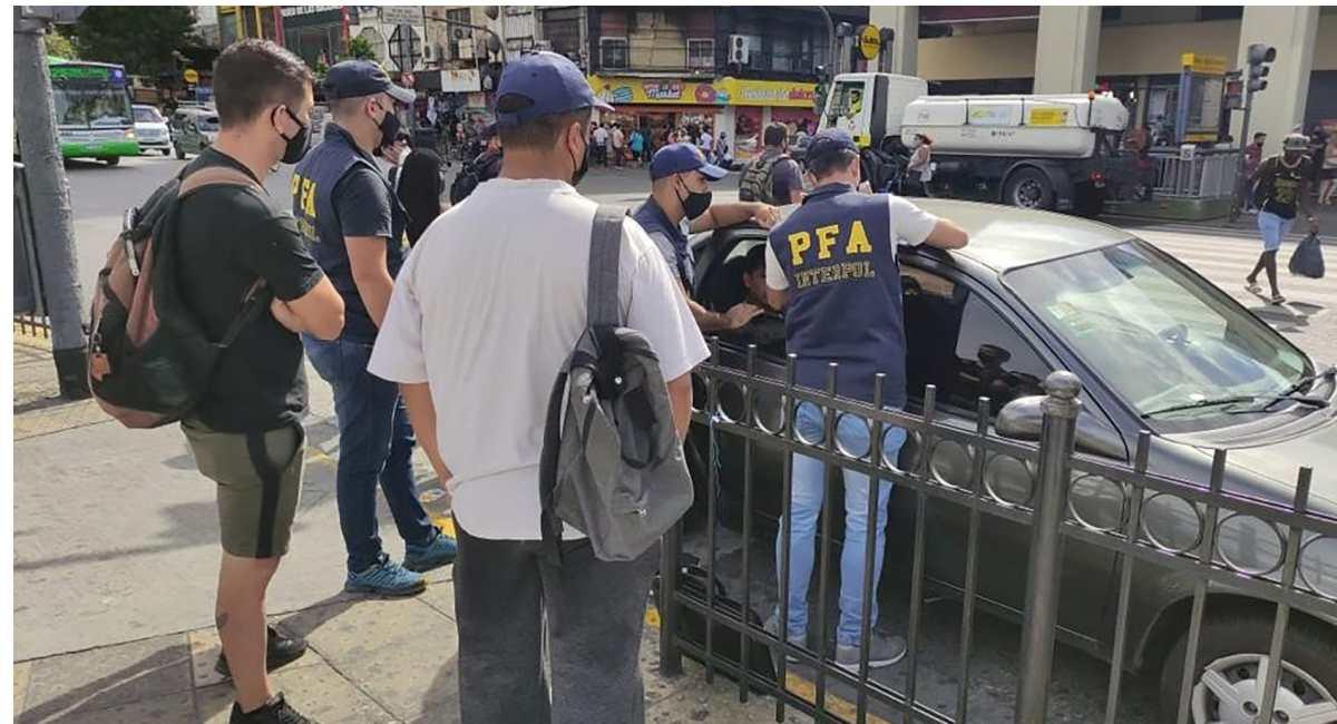 Quiénes son los 13 prófugos más buscados en Latinoamérica y que Interpol logró detener (y cuáles son sus crímenes)