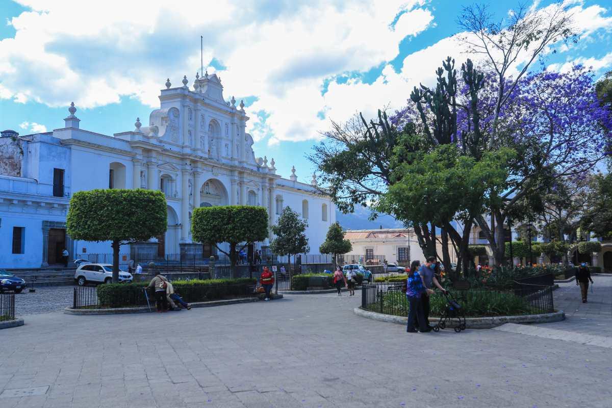 Bares y discotecas de Antigua Guatemala estarán cerrados Jueves Santo y Viernes Santo y están prohibidas las fiestas