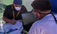 Debido a falles en el sistema en el control de los vacunados se lleva en hojas de cálculo. (Foto Prensa Libre: Andrea Domínguez)