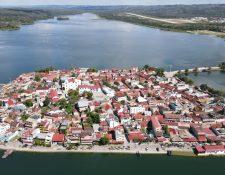 La Isla de Flores es uno de los atractivos de Petén, aparte de los importantes sitios arqueológicos. (Foto, Prensa Libre: Inguat).