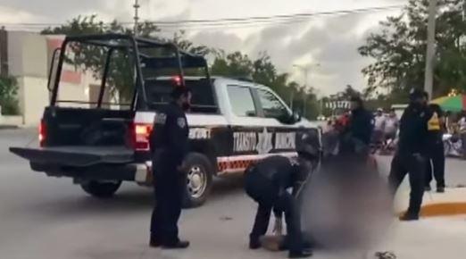 Momento del abuso policial contra Victoria Esperanza Salazar Arriaza, originaria de El Salvador.