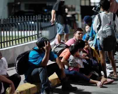 Guatemala continúa con operativos para verificar paso irregular de migrantes luego de que se desintegrara caravana
