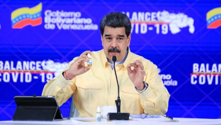 Nicolás Maduro ya había criticado al fundador de Facebook, Mark Zuckerberg, por no haberle permitido subir unos vídeos en los que hablaba del uso del Carvativir. (Foto Prensa Libre: EFE).