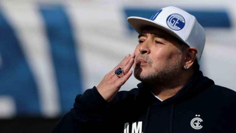 El astro del futbol mundial Diego Armando Maradona falleció el 25 de noviembre del 2020 en Argentina, a los 60 años. (Foto Prensa Libre: EFE)