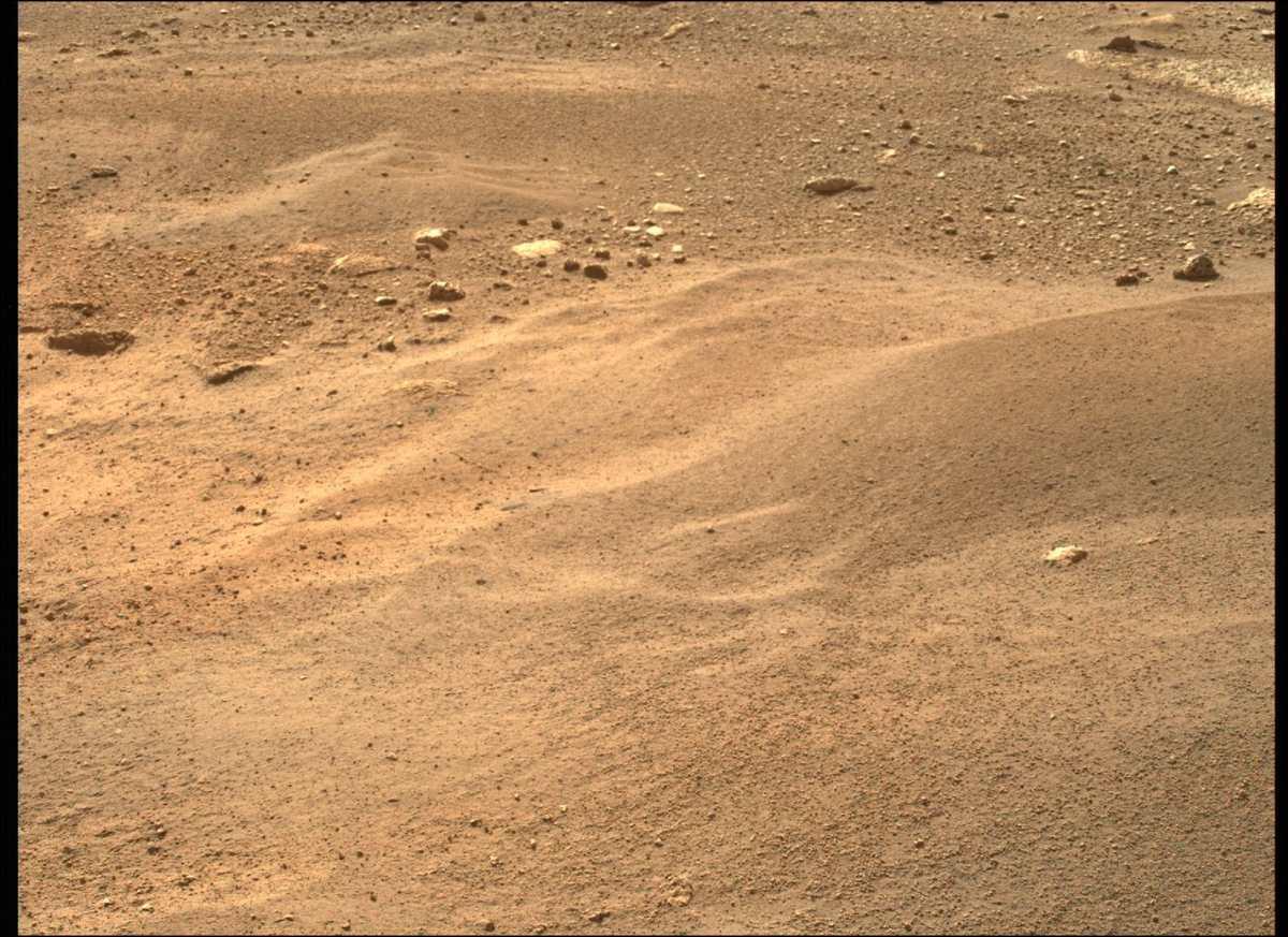 Una imagen de la superficie de Marte adquirida por el rover Mars Perseverance de la NASA después de casi 480 millones de kilómetros de vuelo espacial desde la Tierra) el 20 de febrero de 2021. (Foto Prensa Libre: AFP)