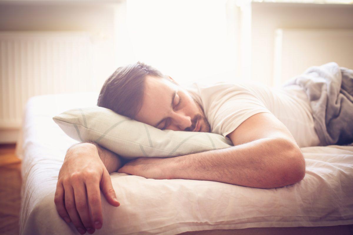 El truco que se ha hecho viral en TikTok para conciliar el sueño en tan solo 5 minutos
