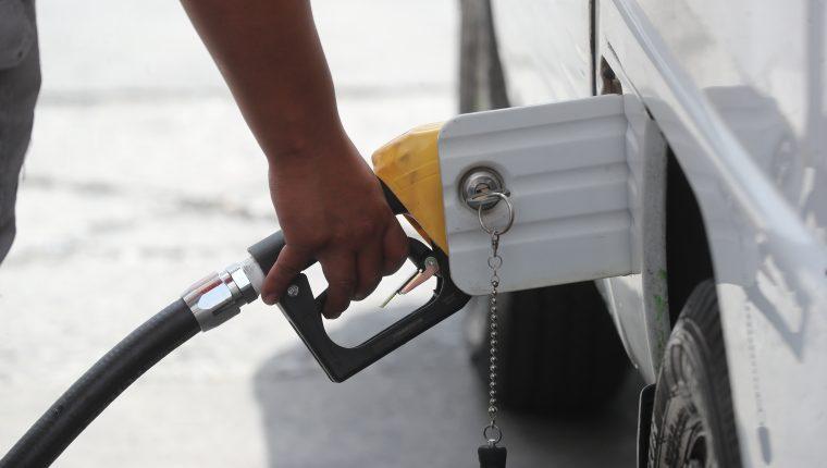 Los precios de los combustibles influyeron en el comportamiento inflacionario en mayo, según el IPC. (Foto Prensa Libre: Hemeroteca)