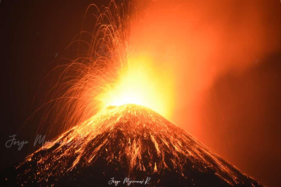 """""""La verdad es que es muy peligroso vivir aquí, pero aquí nacimos…"""": cómo viven los vecinos del volcán Pacaya en Guatemala"""