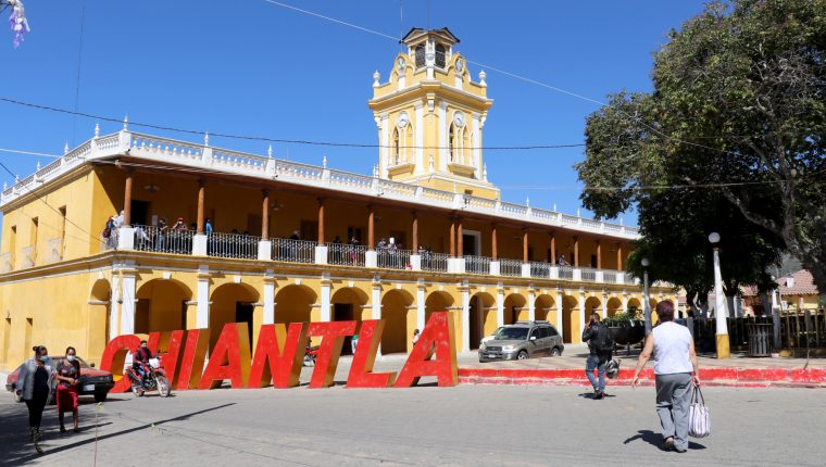 El coronavirus obligó a suspender las clases presenciales en Chiantla. (Foto Prensa Libre: Mike Castillo)