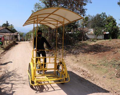El profesor Lalito ya tiene triciclo eléctrico para recorrer Santa Cruz del Quiché
