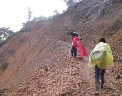 12 km caminando: Zona Reina de Uspantán no tiene camino desde Eta e Iota y a la fecha no comienzan la obra