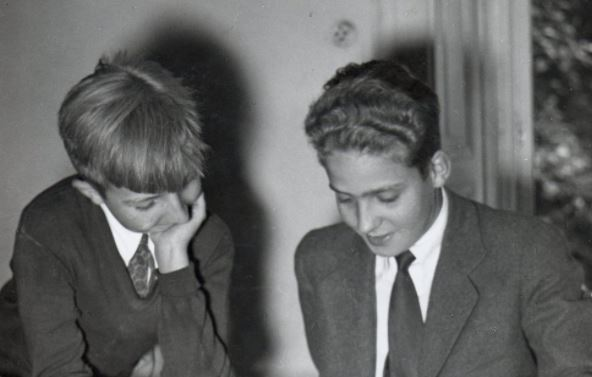 A 65 años de la tragedia que marcó la vida del rey Juan Carlos: el día que mató a su hermano