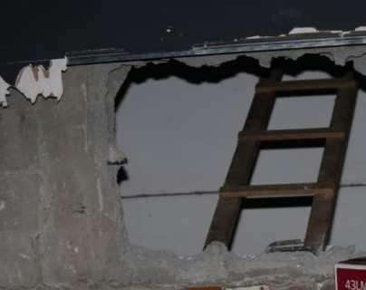 Así fueron descubiertos dos sujetos cuando robaban televisores en un negocio y los guardaban en un vehículo