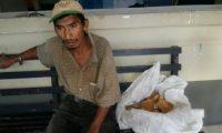 Aguilar Andrés guardaba prisión desde el jueves por robar 35 panes. (Foto Prensa Libre: Tomada de Facebook)