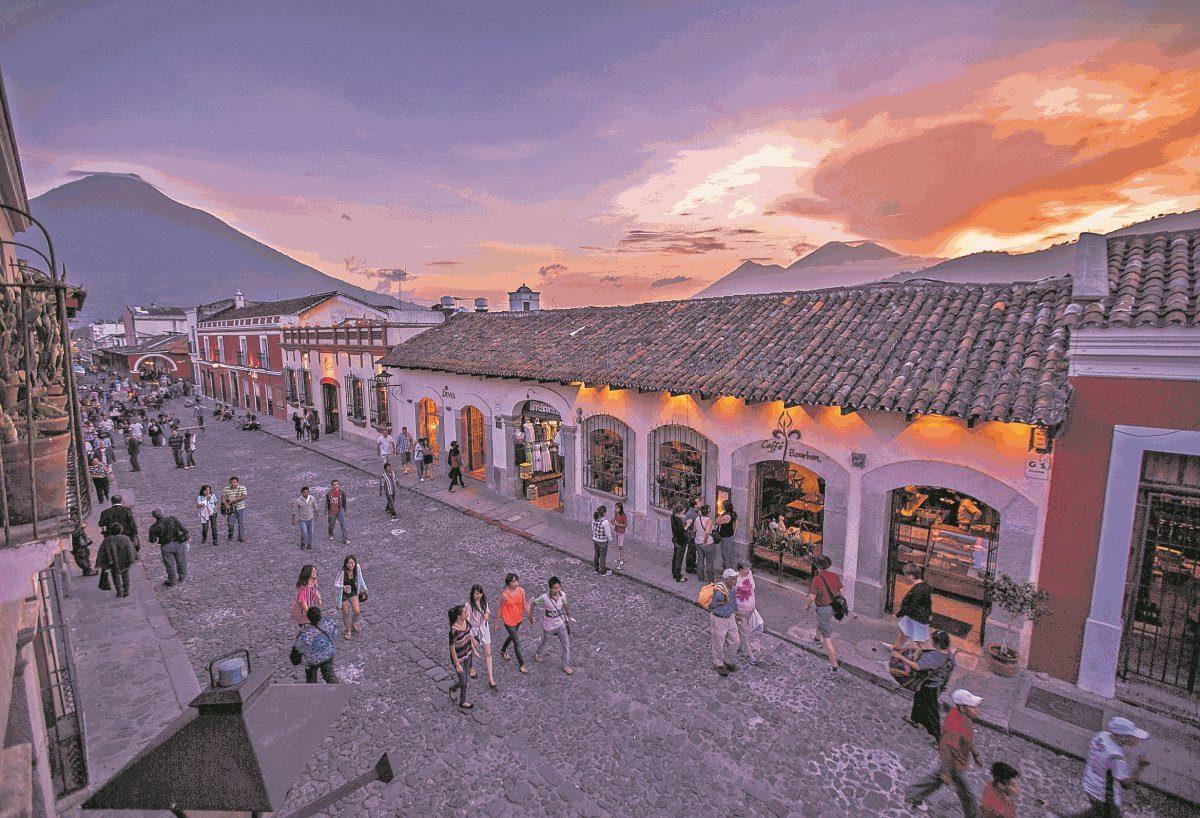"""""""Al Inguat le falta compromiso para rescatar al turismo"""": Sector privado envía carta abierta a presidente Giammattei"""