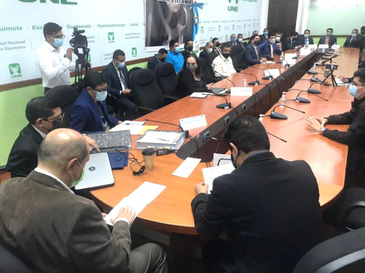 EPQ justifica cuestionado contrato de rompeolas y mantiene vigente el proyecto