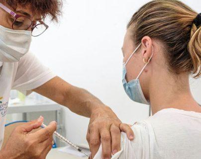 Pfizer-BioNTech afirma que su vacuna contra el covid-19 tiene 100 % de efectividad en adolescentes