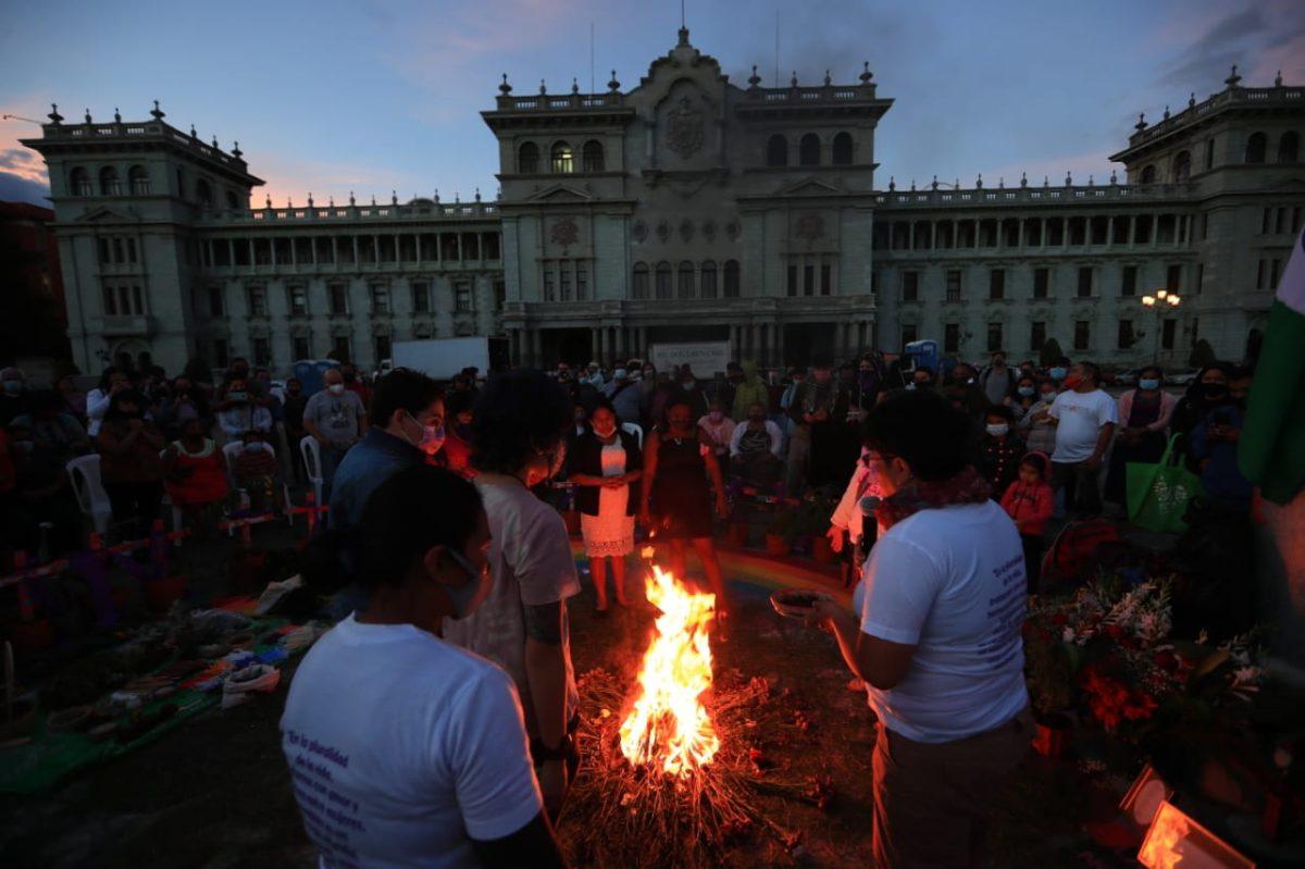 Recuerdan a víctimas del incendio en el Hogar Seguro Virgen de la Asunción y exigen justicia