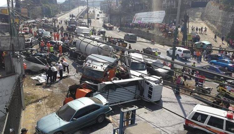 Derivado de los accidentes de tránsito miles de personas han fallecido o quedado heridas. (Foto, Prensa Libre: Hemeroteca PL).
