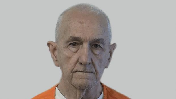 Matan en prisión a un asesino en serie que violó y estranguló a siete mujeres