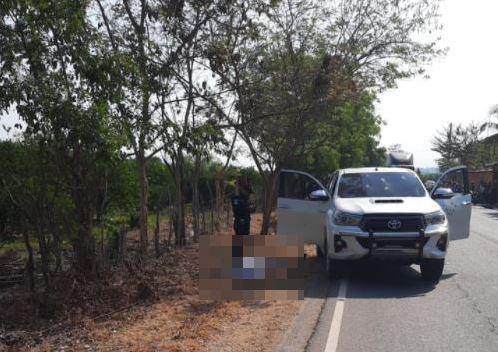 Dos hombres mueren baleados cuando se desplazaban en picop