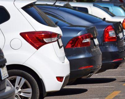¿Qué ocurrió? Inglaterra investiga extraño caso: 100 autos dejaron de funcionar al mismo tiempo