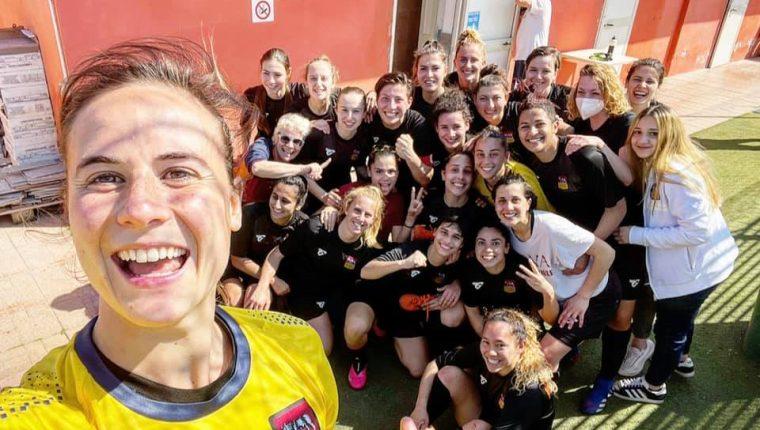 Las jugadoras de la Roma CF se tomaron la foto, ya tradicional, después del triunfo contra Vicenza. (Foto Roma Femenino).