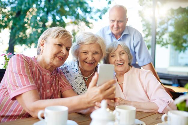 Este nuevo estudio puede ayudar a mejorar la calidad de vida de los adultos mayores. (Foto Prensa Libre: Freepik)