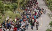 Bajos salarios y las condiciones laborales hacen que las personas del Triángulo Norte migren hacia EE. UU. (Foto Prensa Libre: Hemeroteca)