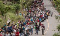 Bajos salarios y las condiciones laborales hacen que las personas del Triángulo Norte migren hacia EE. UU., según el analista David E. Lewis. (Foto Prensa Libre: Hemeroteca)