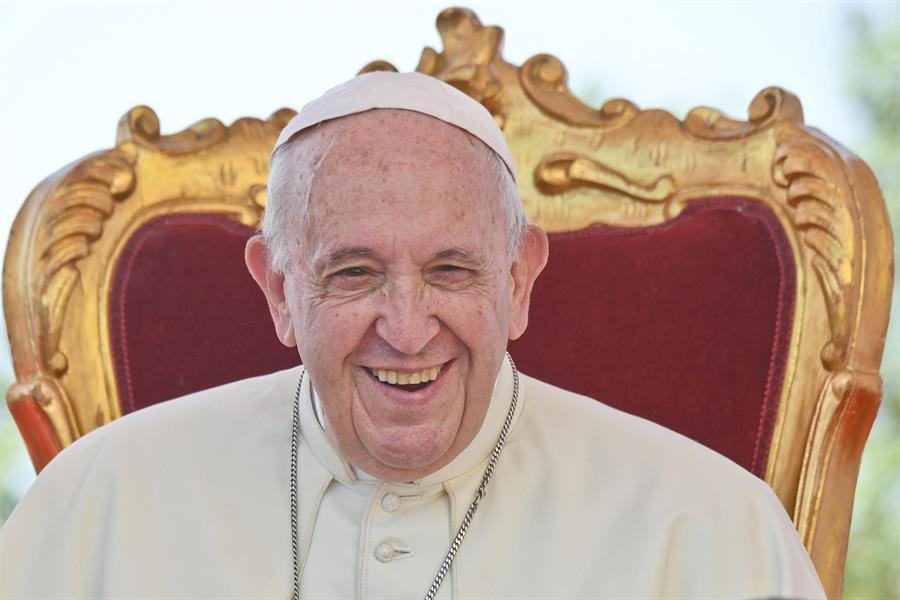 El papa dedica un documento al 700 aniversario de muerte de Dante Alighieri