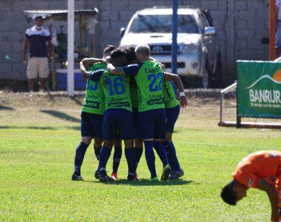 Municipal logra la remontada contra Achuapa con un gol de Quezada