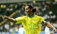 Ronaldinho cumplió 41 años y las redes sociales recordaron sus grandes éxitos con la Selección y con los equipos donde jugó. (Foto Redes).