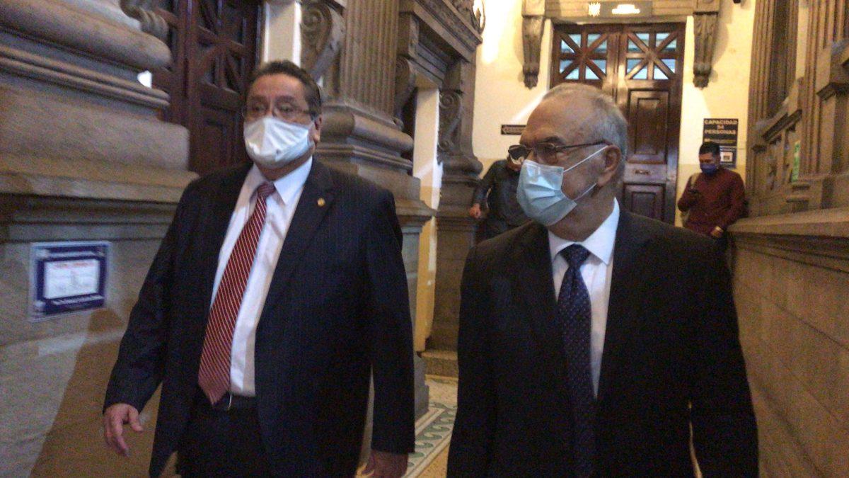 Elección CC: Congreso acepta renuncia de Luis Rosales y asume Antonio Arenales Forno