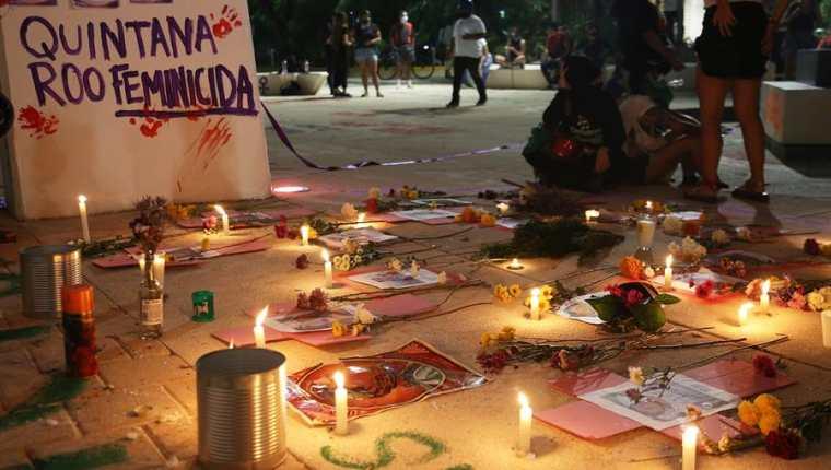 Detalle de una ofrenda por la muerte de la migrante salvadoreña Victoria Esperanza Salazar ocurrido en Tulum, estado de Quintana Roo, México. (Foto Prensa Libre: EFE)