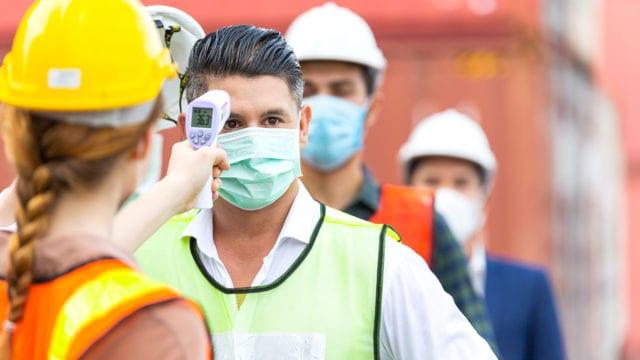 A partir del 15 de abril las empresas podrán solicitar la Constancia de Buenas Prácticas Laborales de manera digital al Ministerio de Trabajo. (Foto Prensa Libre: Shutterstock)