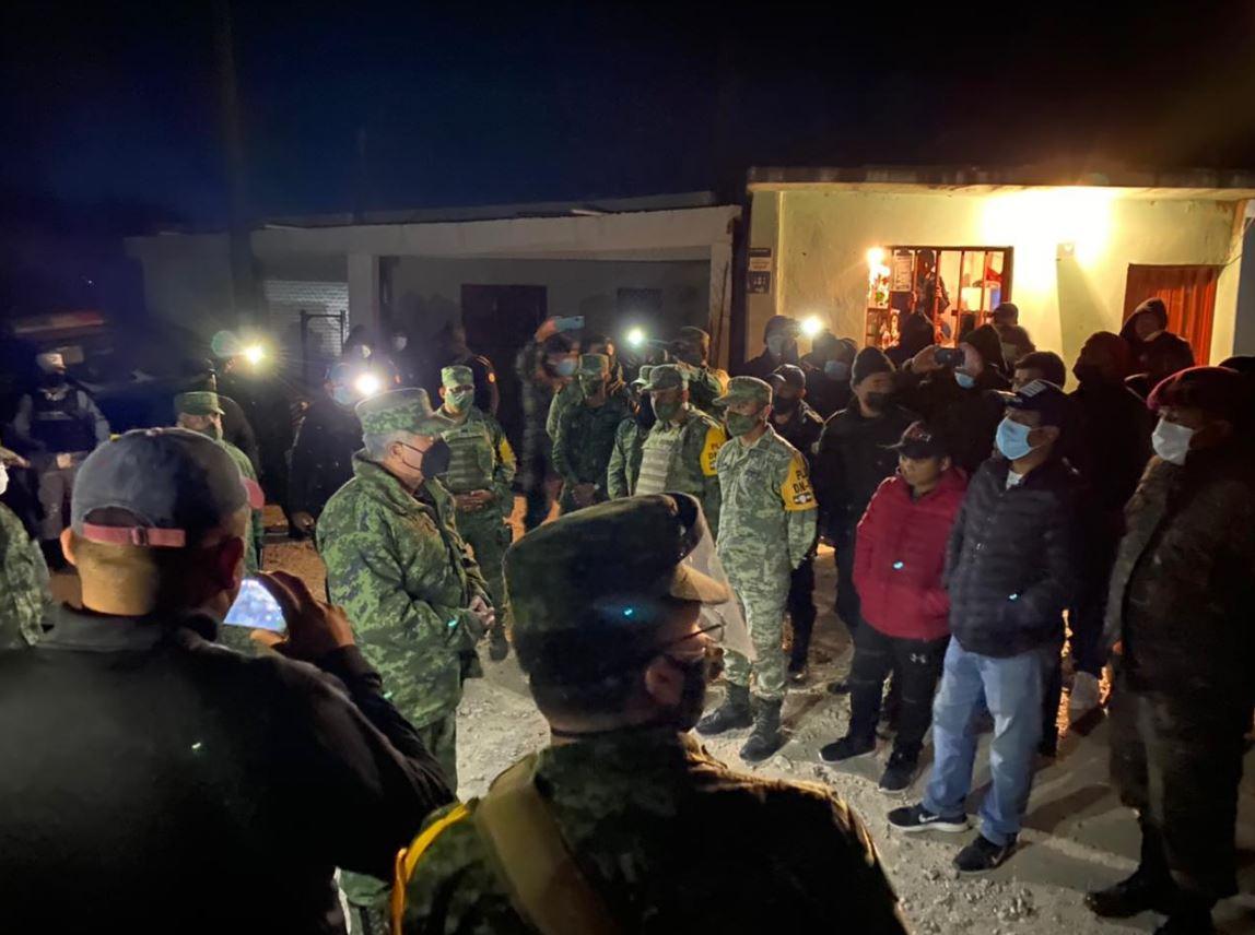 Vecinos de San Marcos liberan a los 6 soldados mexicanos que tenía retenidos, señalados de la muerte de guatemalteco