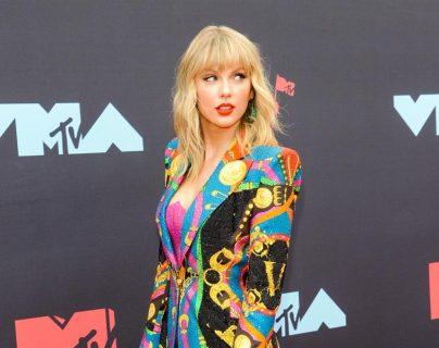 "Taylor Swift arremete contra a Netflix por usar su nombre en un chiste ""sexista"""