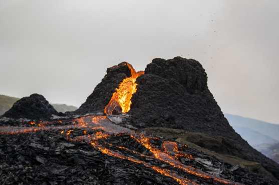 Cuando se produjo la erupción se prohibió el acceso. (Foto Prensa Libre: AFP)