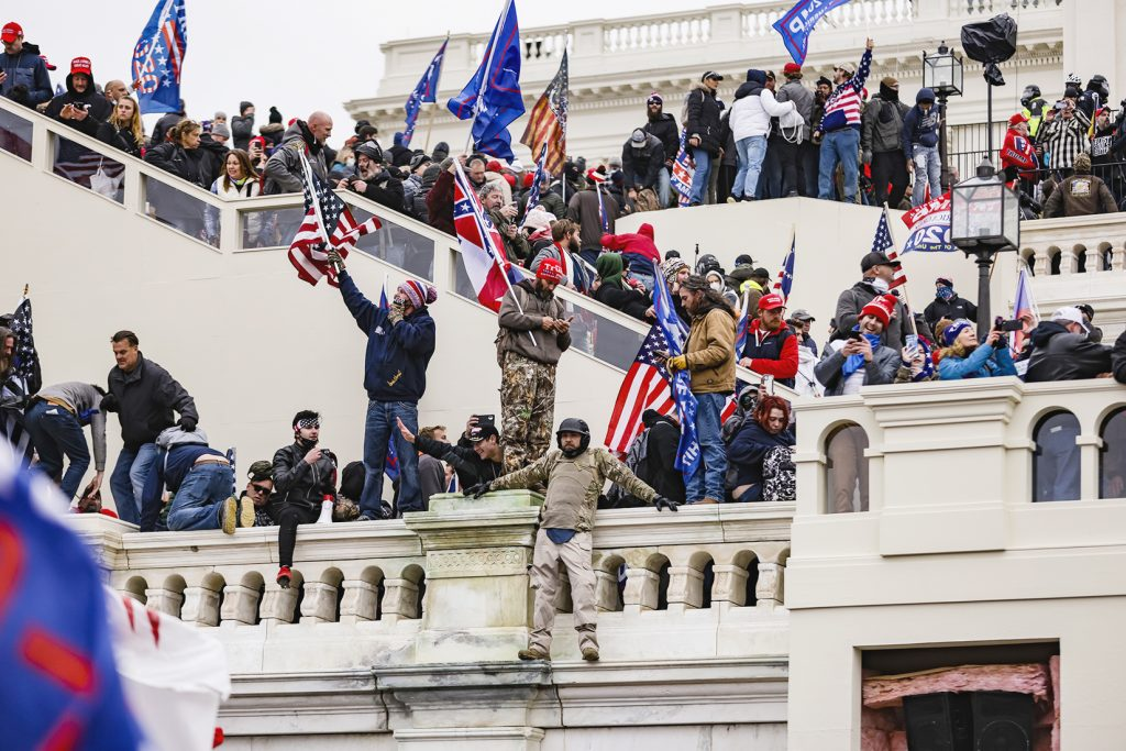 """""""Invadí el Capitolio"""": arrestan a hombre que presumió haber participado en asalto al Congreso de EE. UU."""