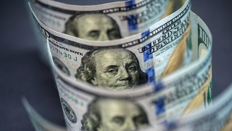 UIo de los efectos más negativos que tuvo la dolarización fue la destrucción de la industria local y -por lo tanto- la generación de empleo, dice el economista Pablo Dávalos.