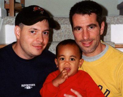 """""""Encontramos un bebé en el metro de Nueva York y ahora es nuestro hijo"""""""