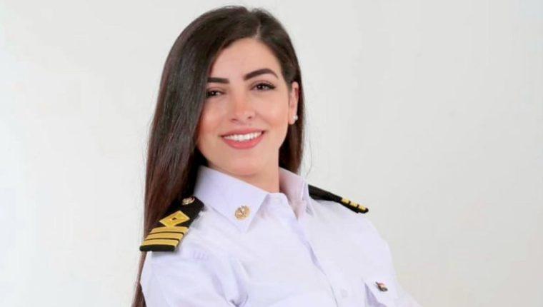 Marwa Elselehdar es la primera mujer en ser capitana de barco en Egipto.