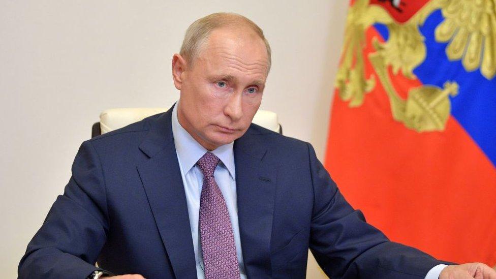 Coronavirus: la impresionante (y costosa) operación del Kremlin para proteger a Putin de la covid-19