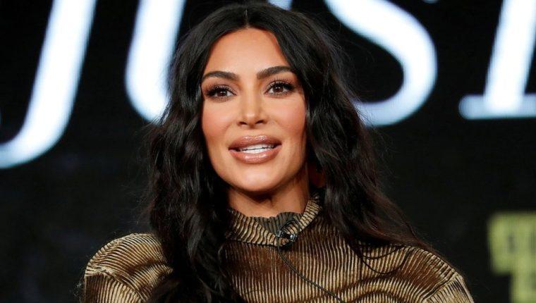 Kim Kardashian es oficialmente milimillonaria, según Forbes.