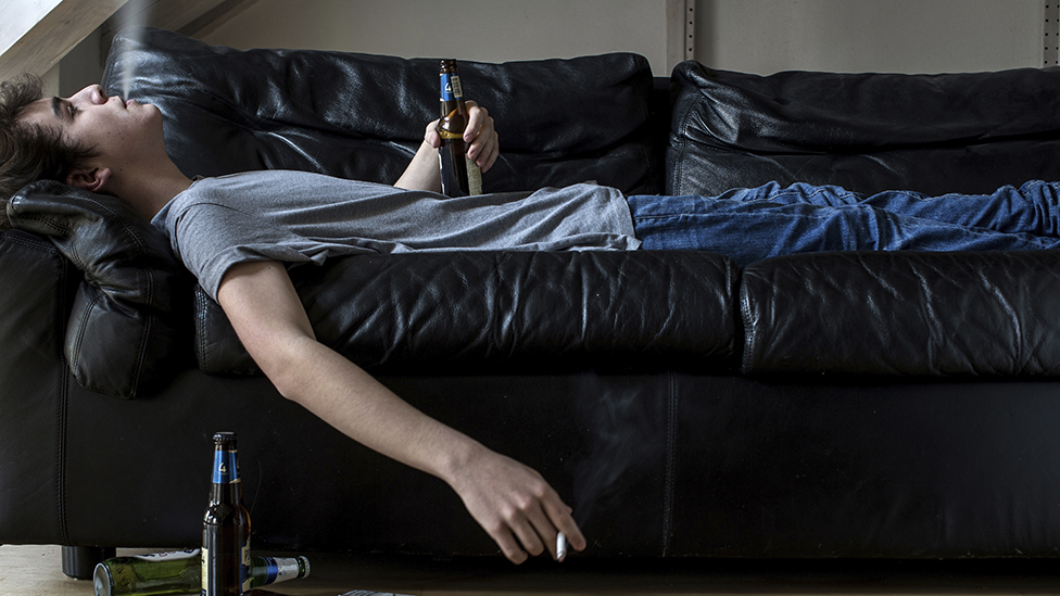 """Por qué las consecuencias de llevar una vida sedentaria son """"comparables con las de fumar"""""""