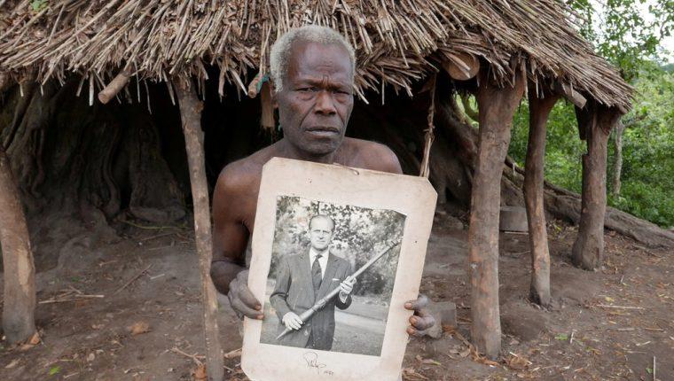 El príncipe Felipe le escribió a los pobladores de Tanna durante años y les envió fotografías suyas.