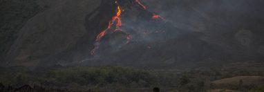 El volcán de Pacaya acumula casi dos meses de reportar actividad alta. (Foto Prensa Libre: Efe)