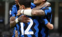 Milan (Italy), 07/04/2021.- Inter Milan'Äôs Lautaro Martinez (R) celebrates with teammates after scoring the 2-0 goal during the Italian Serie A soccer match between FC Inter and US Sassuolo at Giuseppe Meazza stadium in Milan, Italy, 07 April 2021. (Italia) EFE/EPA/MATTEO BAZZI