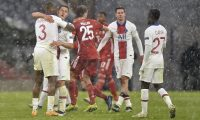 Munich (Germany), 07/04/2021.- Players of PSG celebrate after the UEFA Champions League quarterfinal, 1st leg soccer match between FC Bayern Muenchen and Paris Saint-Germain in Munich, Germany, 07 April 2021. (Liga de Campeones, Alemania) EFE/EPA/LUKAS BARTH-TUTTAS